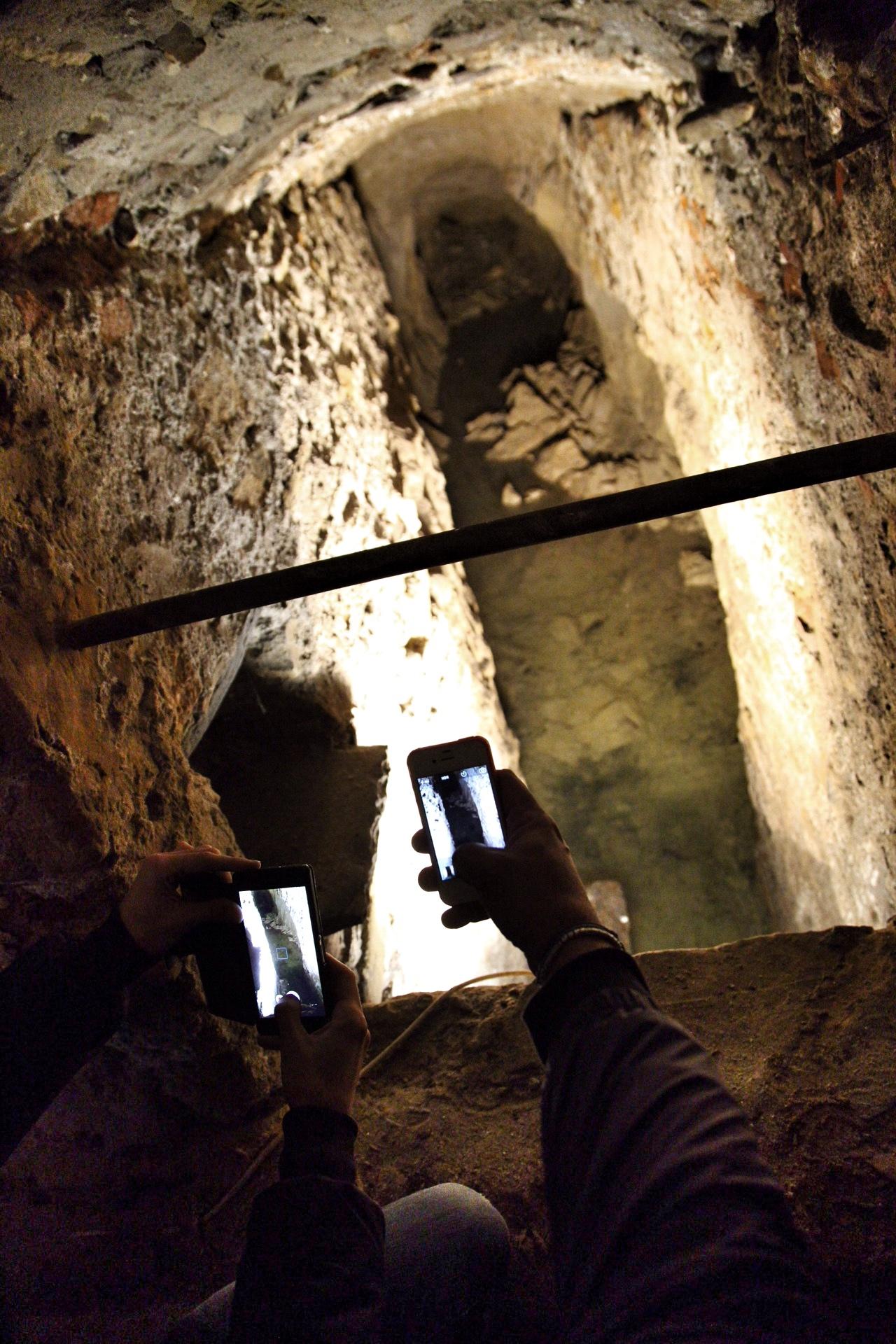 Qui si raccoglievano le acque piovane da tempi antichissimi, a Diano Castello, Liguria di Ponente.